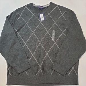 ROUNDTREE & YORKE men's Vneck sweater ,size L